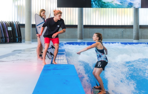surf-academy-level-1-bg2