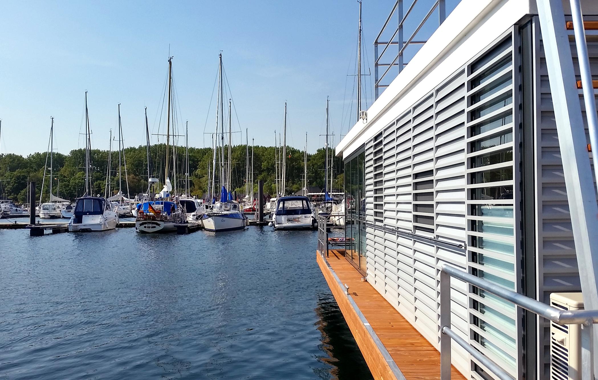 hausboot-uebernachtung-ostseebad-boltenhagen-bg2