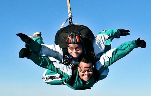 fallschirm-tandemsprung-linkenheim-action