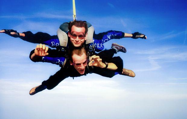 fallschirm-tandemsprung-linkenheim-adrenalin