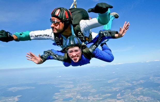 fallschirm-tandemsprung-linkenheim-freier-fall