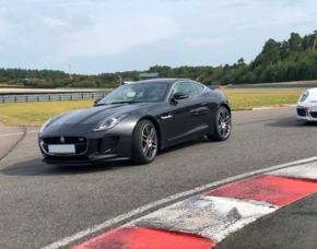 Rennstreckentraining Jaguar F-Typ S Bad Driburg Jaguar F-Typ S – 4 Runden - Bilster Berg Drive Resort