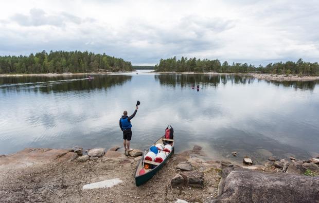 aktivurlaub-im-wasser-roek-kanuwoche-schweden