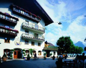 Kurzurlaub inkl. 60 Euro Leistungsgutschein - Seeböckenhotel zum Weissen Hirschen - St. Wolfgang Seeböckenhotel zum Weissen Hirschen