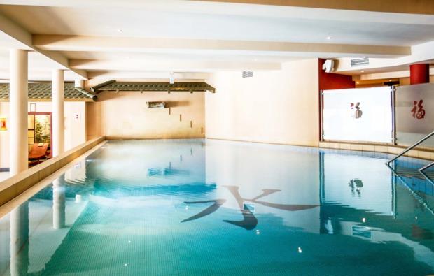 romantikwochenende-werder-pool
