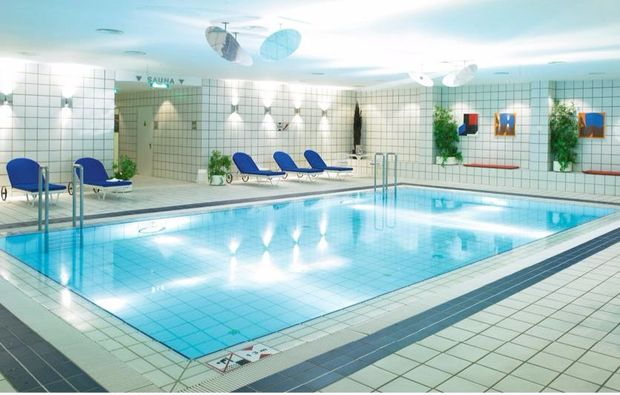 kulturreisen-berlin-pool