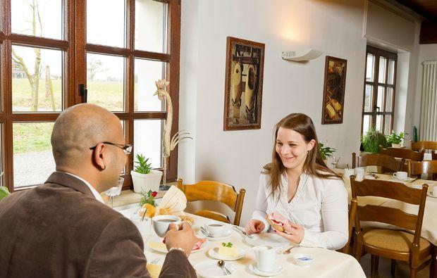 fruehstueckszauber-fuer-zwei-kalkar-tisch