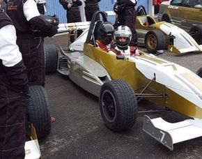 Taxifahrt im Formel Renault - 4 Runden Taxifahrt Formel Renault - Dijon - 4 Runden