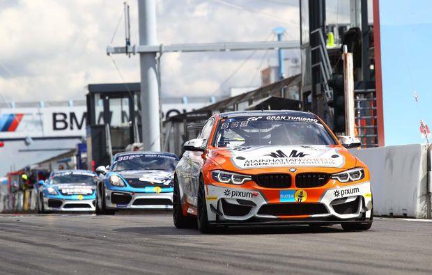 bmw-m4-fahren-nuerburgring-rennstrecke