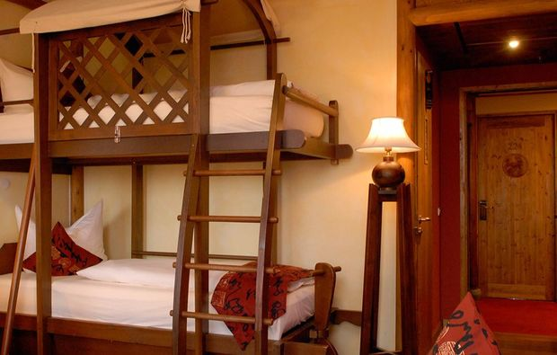 aussergewoehnlich-uebernachten-bruehl-phantasialand-hotel-zimmer-freizeitpark