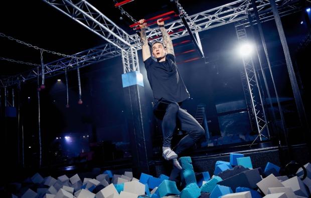 funsport-trampolin-hannover-hangeln