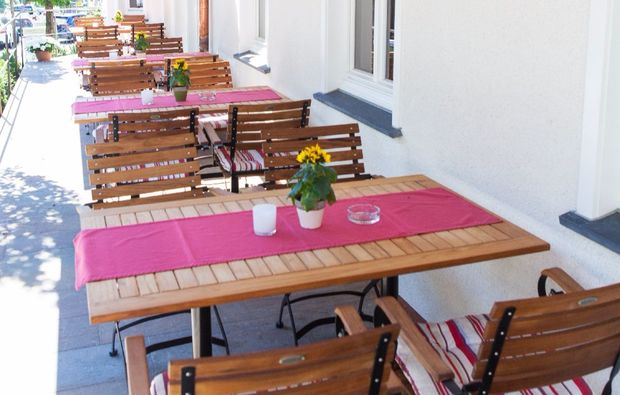 kurztrip-schmallenberg-terrasse