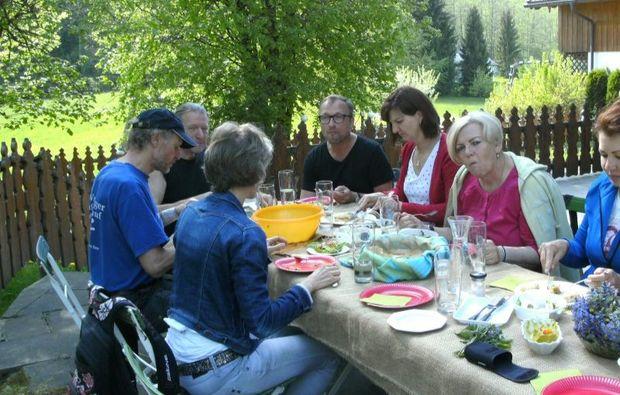 kraeuterwanderung-bad-heilbrunn-essen