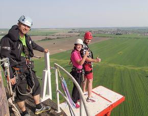 Tandem-Bungee-Jump - Action Jump Tandemsprung - von einem 110 Meter hohen Turm - sanftes Abbremsen