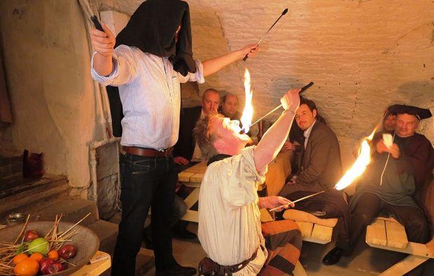 ritteressen-historisches-dinner-bedburg-feuer