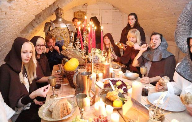 ritteressen-historisches-dinner-bedburg