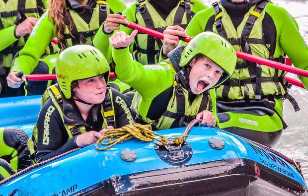 rafting-wochenende-inkl-1-uebernachtung-2-raftingtouren-fuer-kinder