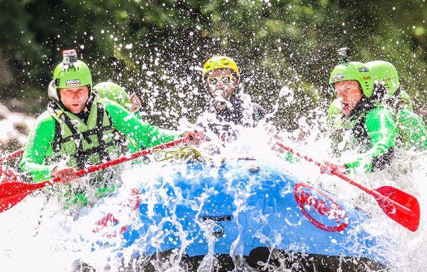 rafting-wochenende-inkl-1-uebernachtung-2-raftingtouren-wasser-fans