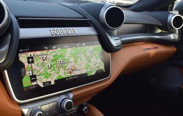 supersportwagen-fahren-berlin-gtc4-lusso-navigation