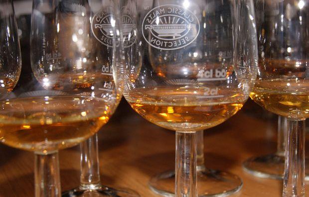 whisky-tasting-glaesser