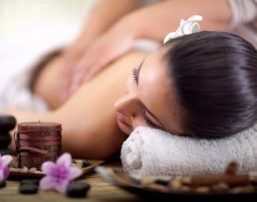 Hot Stone Massage 30 Minuten
