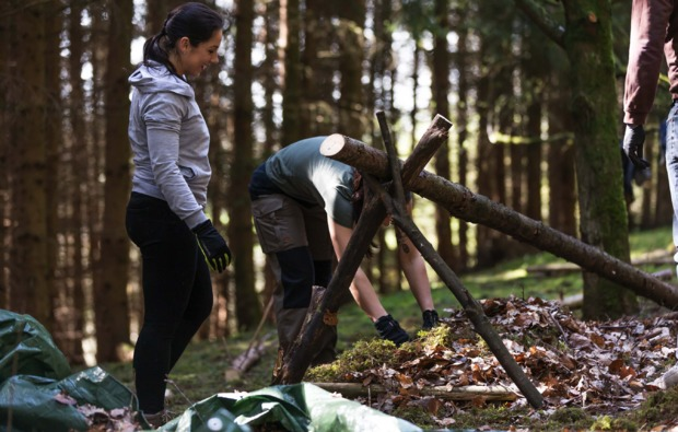 survival-training-in-marpingen-holz-sammeln
