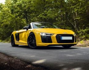 Audi R8 V10 Spyder fahren Tagesmiete Audi R8 Spyder - 1 Tag mieten (24 Stunden)