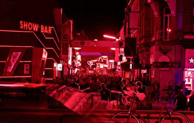 aussergewoehnliche-stadtfuehrung-hamburg-feiern