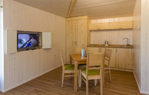 kurztrip-baumhaus-uebernachtung-aerzen-kueche