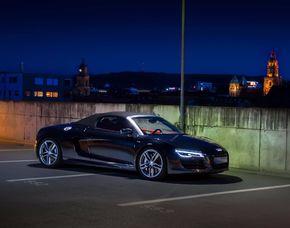Audi R8 fahren Train bei Ingol...