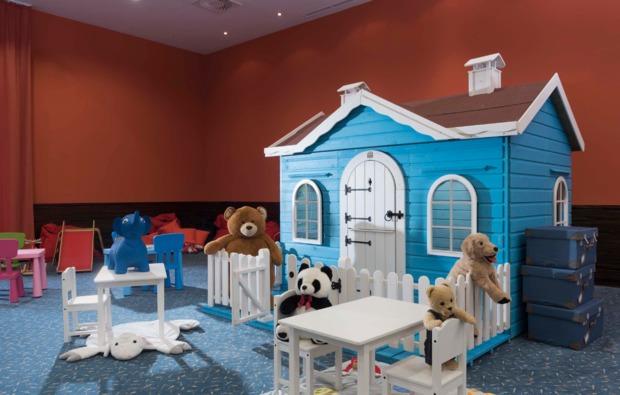 wellness-wochenende-waidring-kinderspielzimmer