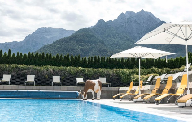 wellness-wochenende-waidring-pool