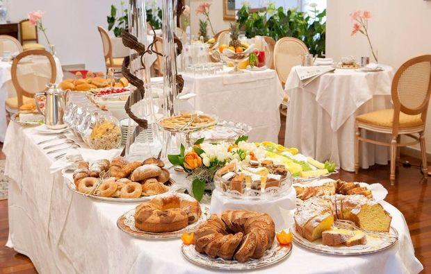 ancona-grand-hotel-passetto-speisesaal1511973708