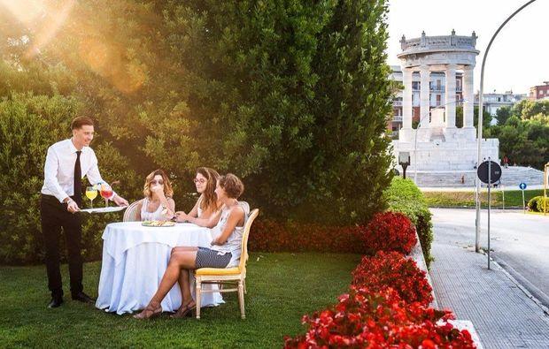camera-classic-ancona-grand-hotel-passetto1511973810