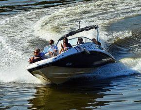 Speedboot fahren - Köln Main - ca. 1 Stunde