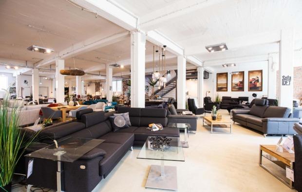 cube-uebernachtung-sofa-loft-hannover-wohnlandschaft