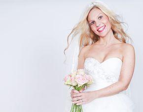 Hochzeitsfotoshooting im Studio Studioshooting inkl. 1 PicturePrint & Bilddatei auf CD, ca. 40 Minuten