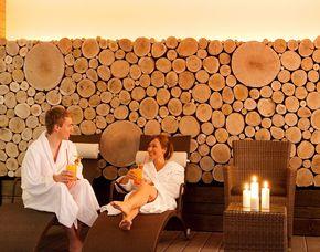 Wellnesstag für Zwei - Osnabrück Ganzkörpermassage, Rosenblütenbad, Sauna & Pool Nutzung