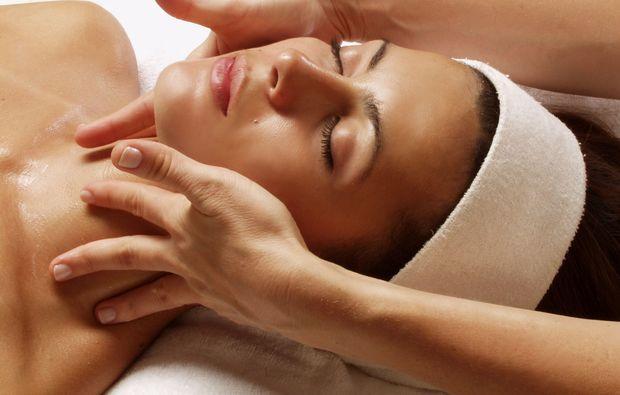 gesichtsbehandlung-bonn-massagejpeg