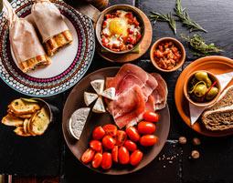 Mediterrane Küche - Spanien Spanische Küche - 4-Gänge-Menü, inkl. Getränke
