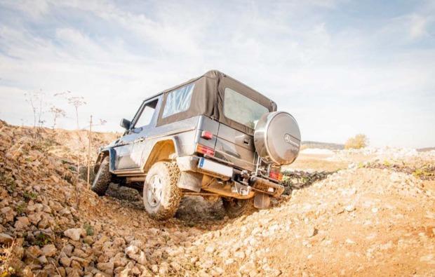 gelaendewagen-offroad-fahren-aspach-fahrtraining