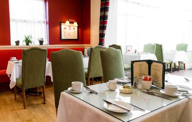 erlebnisreise-nach-dublin-hotel-restaurant