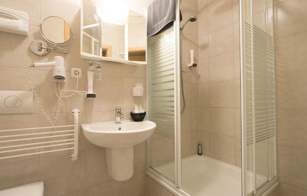entspannen-traeumen-langenzenn-dusche