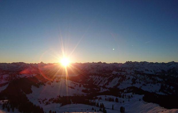 schneeschuh-wanderung-obermaiselstein-sonnenaufgang