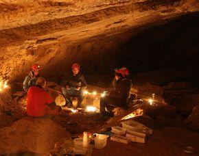 Höhlentrekking - Grotte de la Cascade - Môtiers 3 Stunden - Grotte de la Cascade