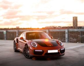 Porsche 911 oder Ford Mustang GT fahren Porsche 911 oder Ford Mustang GT - 3 Runden - Motorsportarena Oschersleben