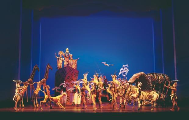 musical-reise-hamburg-disneys-koenig-der-loewen-auftritt