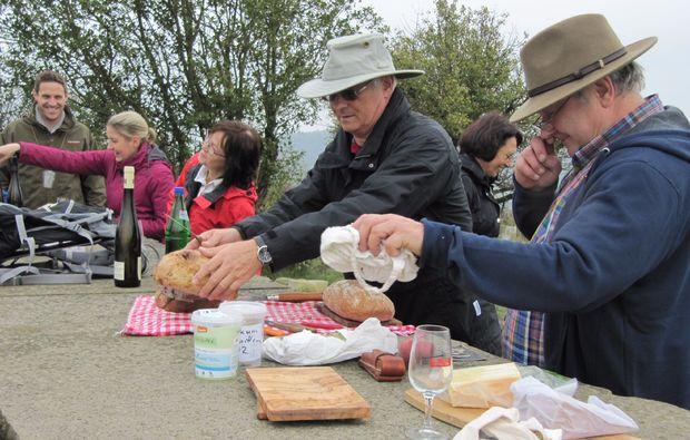 weinbergwanderung-bad-muenster-am-stein-ebernburg-brotzeit