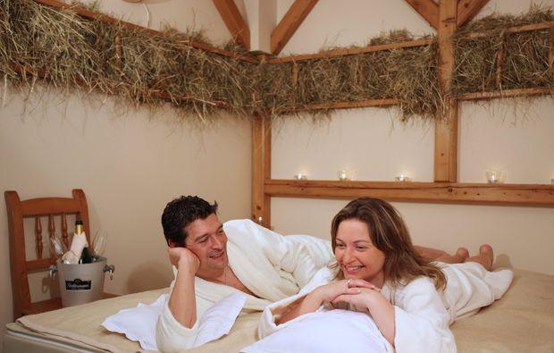 fruehstueckszauber-zwei-bad-fuessing-relaxen