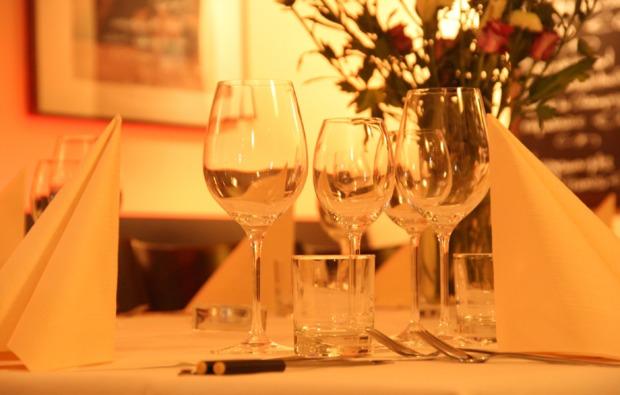 koeln-candle-light-dinner-fuer-zwei-romantisch